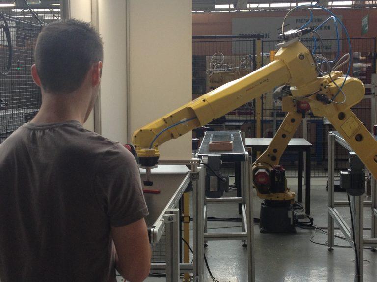 Succès pour le colloque robotique et applications industrielles